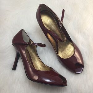 Nine West Burgundy patent leather peep toe pumps